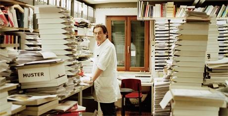 Gerhard Steidl in seiner Göttinger Druckerei