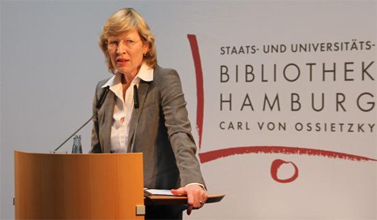 Wissenschaftssenatorin Dorothee Stapelfeldt bei der Lehrpreisverleihung 2012