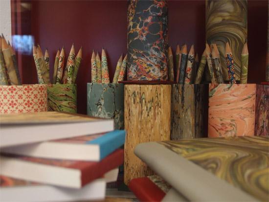 Bleistifte und Notizbücher