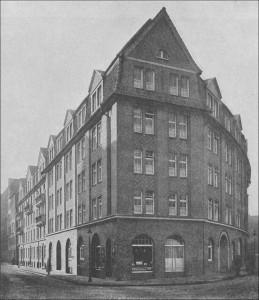 ledigenheim-vorplatz-hh-+-seine-bauten-1914-1-S587-mit-rahmen