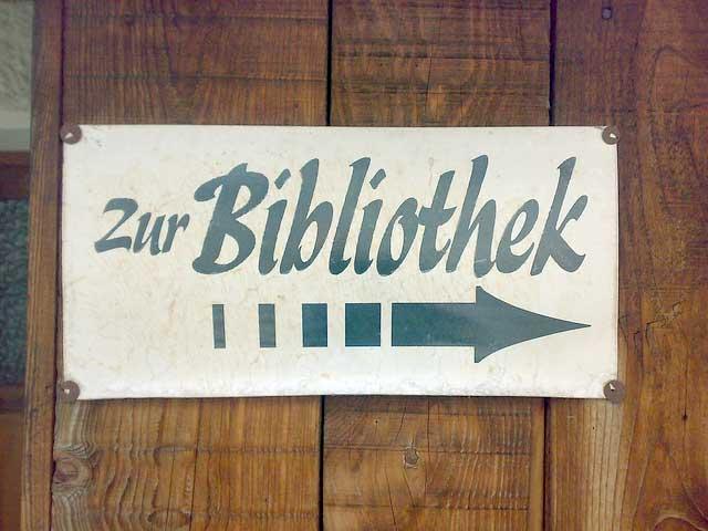 zur_bibliothek