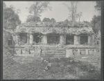 Palenque: Palacio principal. 1. Patio. El edificio intermedio. Fachada Este. 1877 oder 1898. Nachlass Teobert Maler IAI