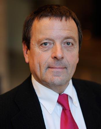 Dr. Ekkehard Nümann