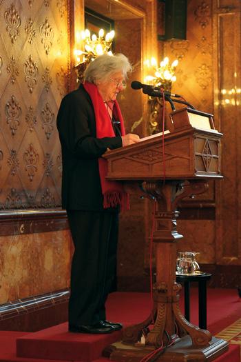 Ralph-Giordano bei seiner Rede anlässlich einer Ausstellung der KZ-Gedenkstätte Neuengamme in der Bürgerschaftskanzlei 2012, Foto: © KZ-Gedenkstätte Neuengamme