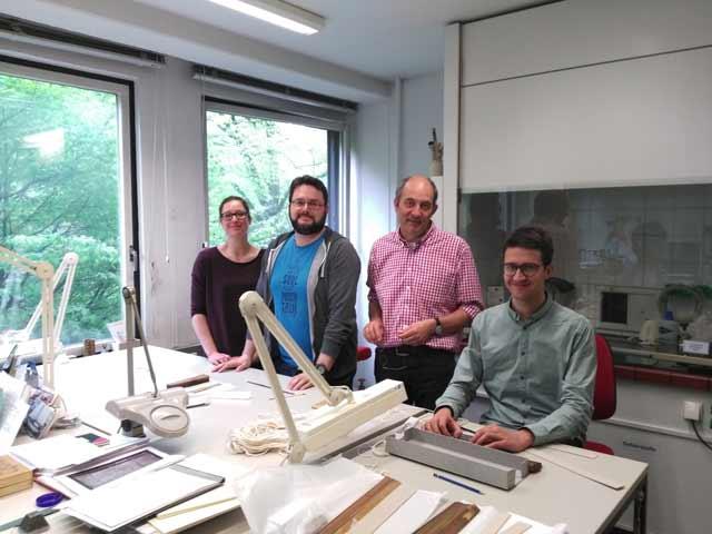 Abb. 2 Mitarbeiter des Teams, von links nach rechts: Nadine Bregler, Karsten Helmholz (SFB), Jan op de Hipt (SUB), Eric Werner (SFB)