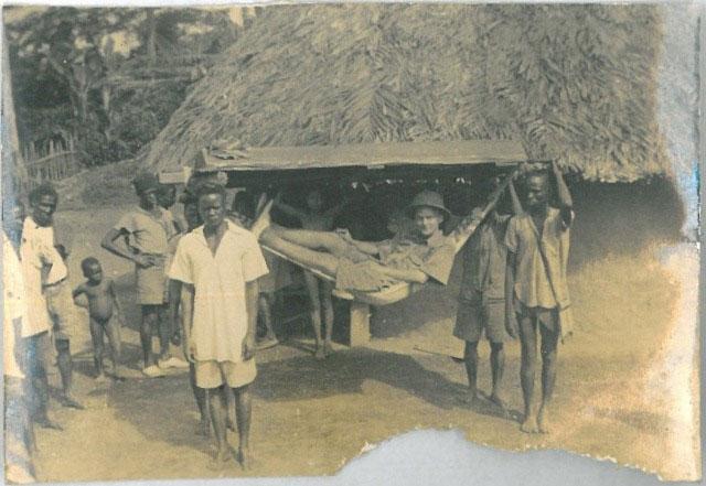 Der Sprachforscher Richard Heydorn aus Blankenese unterwegs in Liberia, 1938