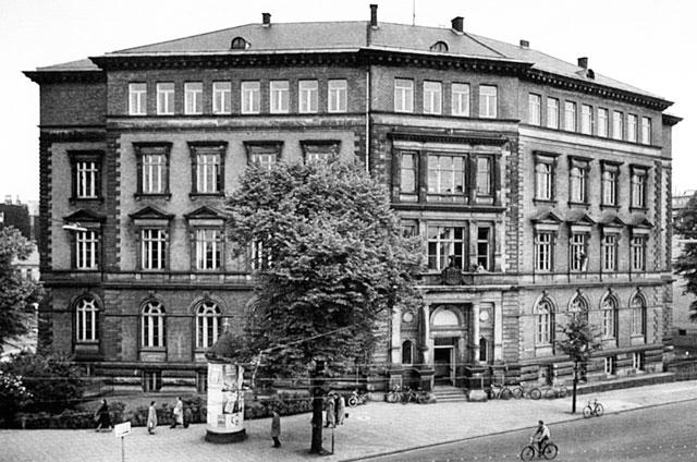 Frontalansicht Bibliothek 1956
