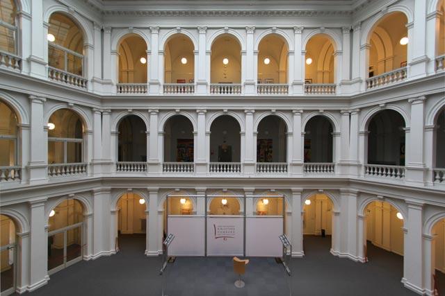 Lichthof der Staatsbibliothek Hamburg