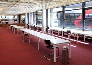Einzelarbeitsplätze im Informationszentrum